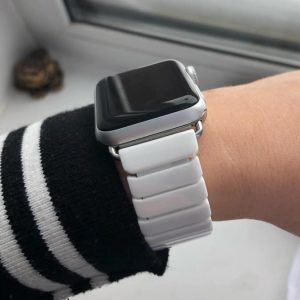 Ceramic Apple Watch Band - White